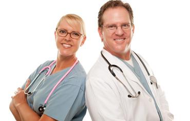 תמונת רופאים מחייכים